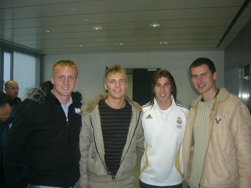 Stoją od lewej: Kamil Glik, Szymon Matuszek, Sergio Ramos i Marcin Pontu /Źródło: Wodzisławska Szkoła Piłkarska /