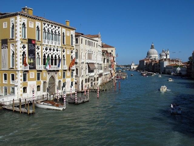 Stolicą Wenecja Euganejskiej jest Wenecja /JENS KALAENE  /PAP/EPA