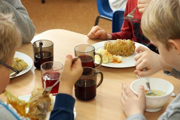 Stołówka w szkole podstawowej w Warszawie, wrzesień 2012 /East News