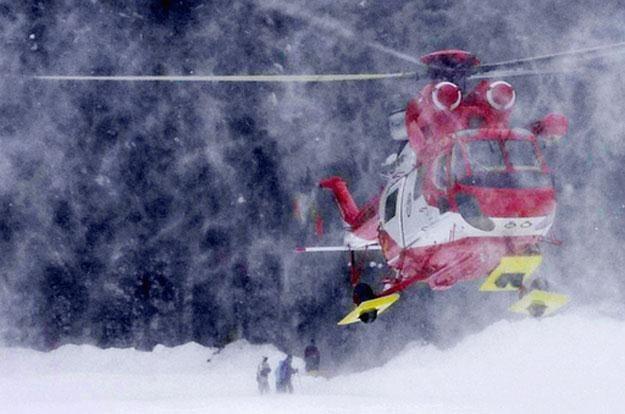 Stopnie zagrożenia lawinowego w górach oraz na stokach zostaną oznaczone dodatkowo symbolami /AFP