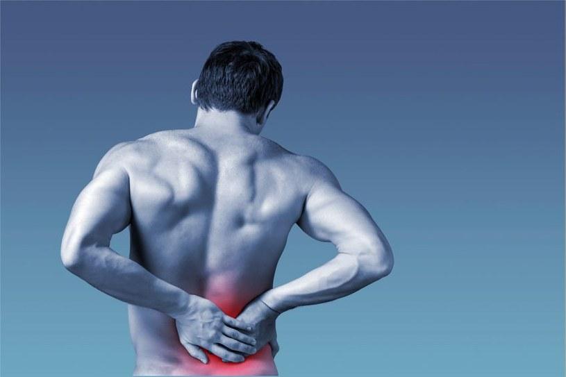 Stosowane leki na ból kręgosłupa nie są skuteczne /123RF/PICSEL