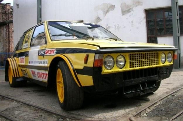 Stratopolonez z centralnie umieszczonym silnikiem ferrari dino /INTERIA.PL