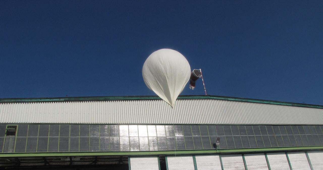 Stratosferyczny balon wystartował z gliwickiego lotniska