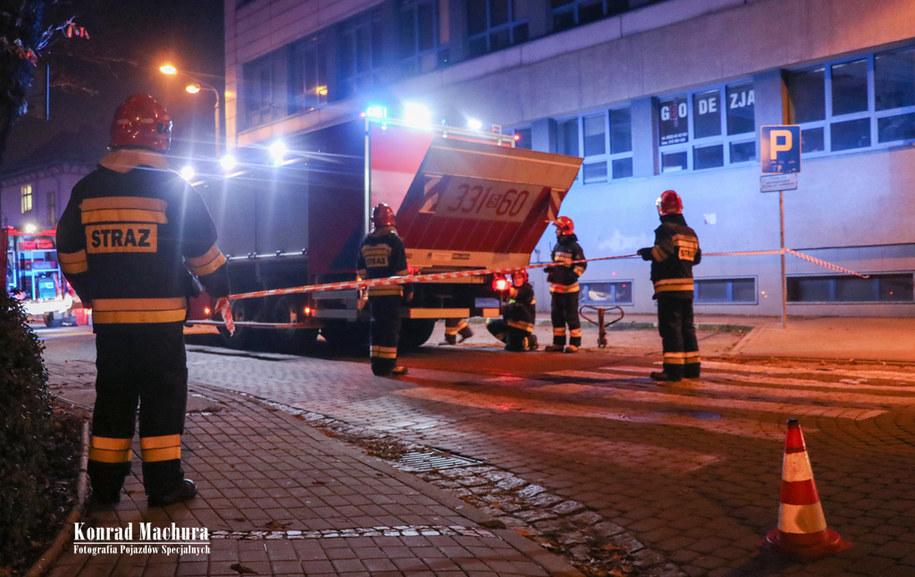 Strażacy na miejscu zdarzenia /Fotografia Pojazdów Specjalnych Konrad Machura /