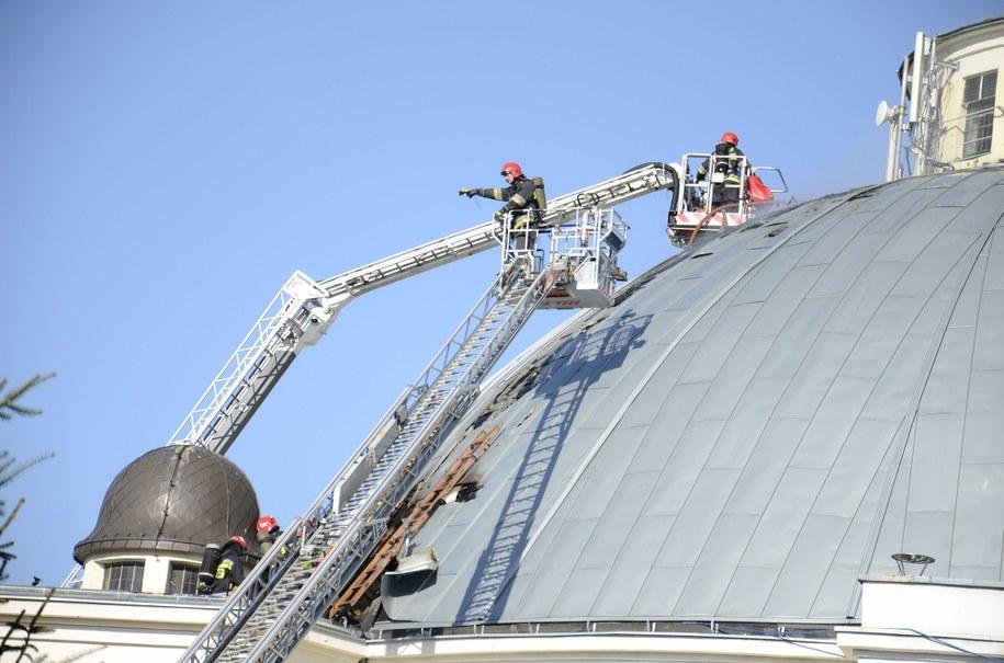 Strażacy przez kilka godzin walczyli z pożarem zabytkowego kościoła w Toruniu /Tomasz Fenske /RMF FM