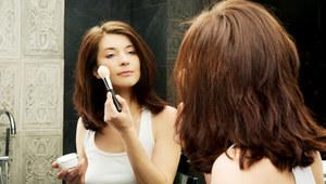 Strobing - makijaż rozświetlający