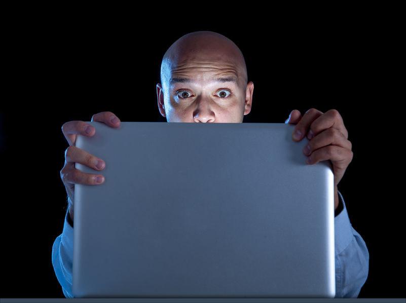 Strony pornograficzne w UK będą mieć obowiązek weryfikowania, czy ich użytkownicy są pełnoletni /123RF/PICSEL