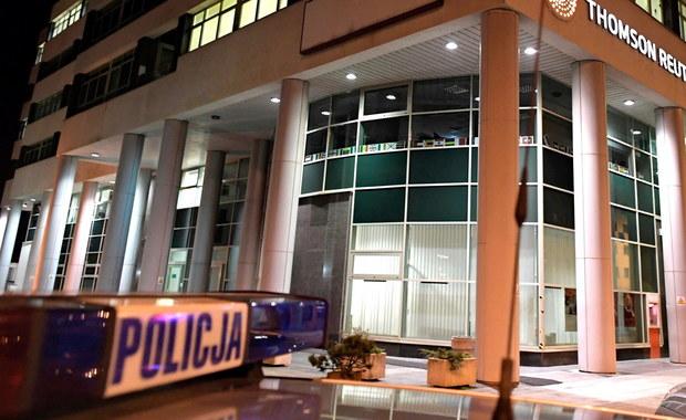 Strzały w biurowcu w Gdyni. 30-latek miał broń legalnie. Nie wiadomo, dlaczego ją wyciągnął