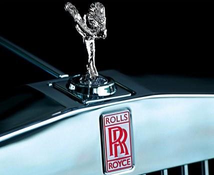 Stworzona z wielkiej miłości do kobiety figurka stała sie z czasem symbolem luksusu. /Rolls-Royce