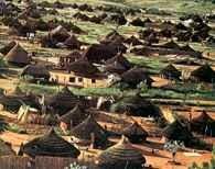 Sudan, osada Dinka w dorzeczu Nilu /Encyklopedia Internautica