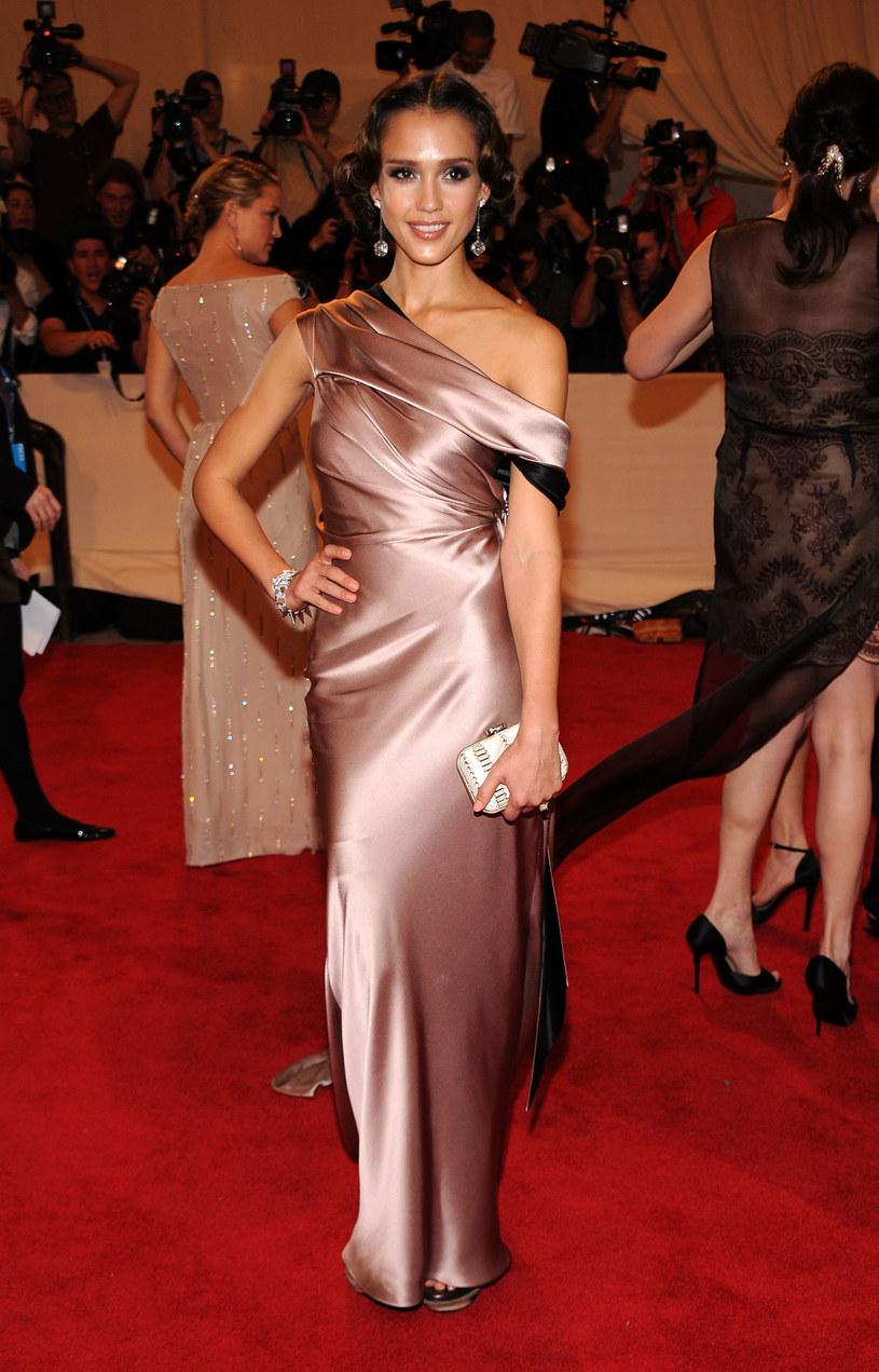 Suknia Jessici Alby  /Getty Images/Flash Press Media