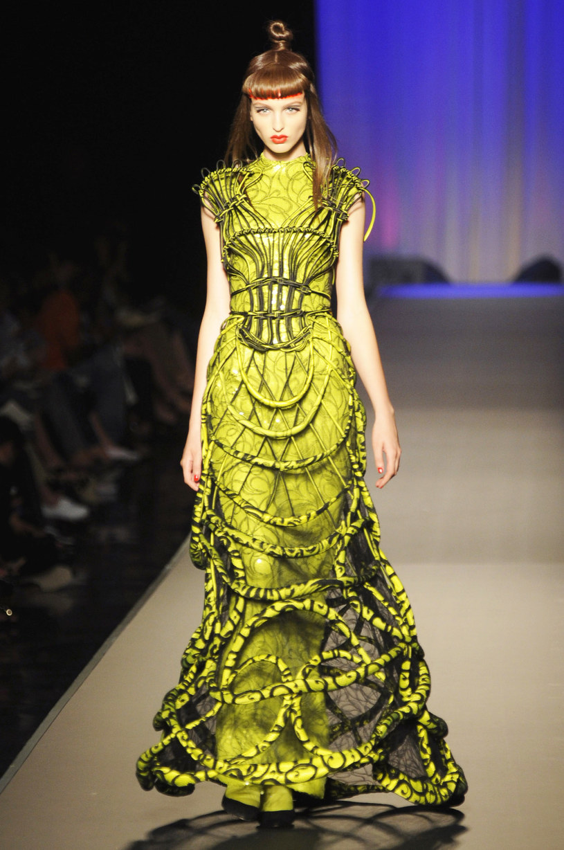 Suknia z mackami meduzy /Getty Images