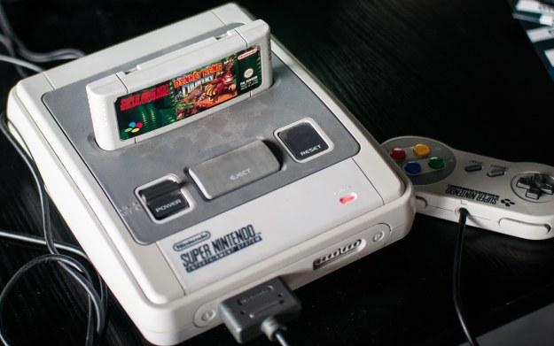 Super Nintendo Entertainment System - kultowa konsola japońskiej firmy /123RF/PICSEL