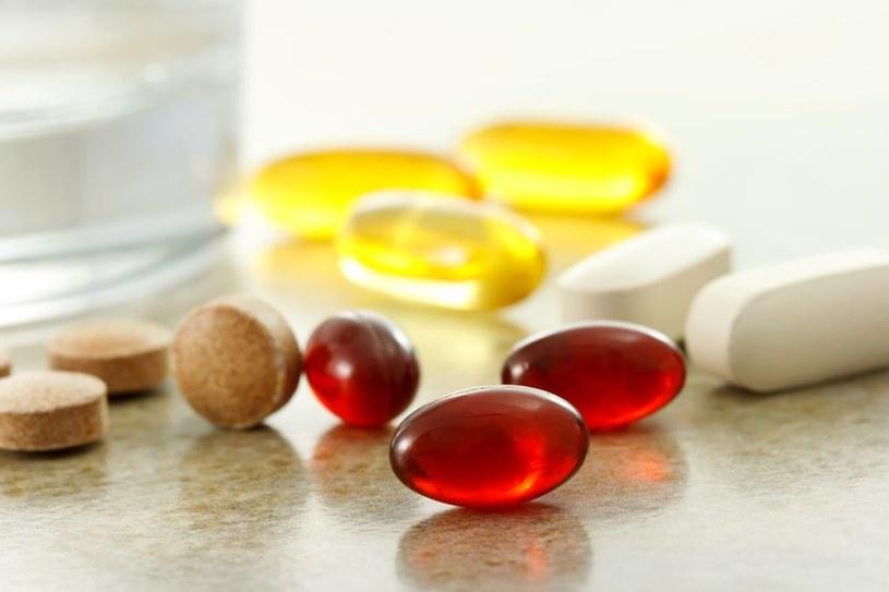 Suplementy diety i zawarta w nich glukozamina wydłużają życie? /©123RF/PICSEL