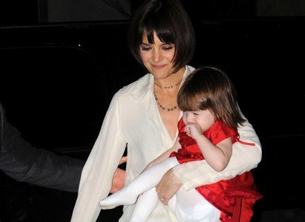 Suri odziedziczyła urodę po Katie Holmes /Getty Images/Flash Press Media