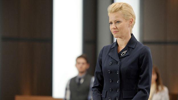 Surowa, nieugięta prokurator, która z czasem okazuje się bardzo ludzka /Agencja W. Impact