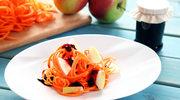 Surówka z marchewki i jabłka z powidłami porzeczkowymi