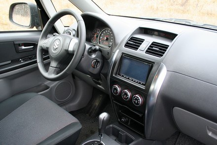 Suzuki SX4 / Kliknij /INTERIA.PL
