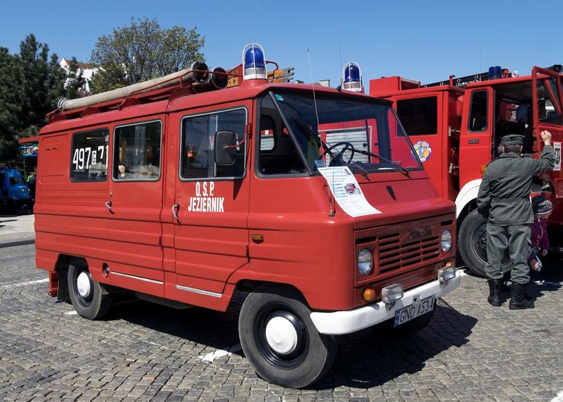 Swego czasu Żuki były powszechnym widokiem na polskich drogach /Marek Michalak /East News