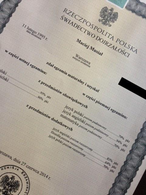 Świadectwo maturalne Maćka Musiała /Facebook /materiały prasowe