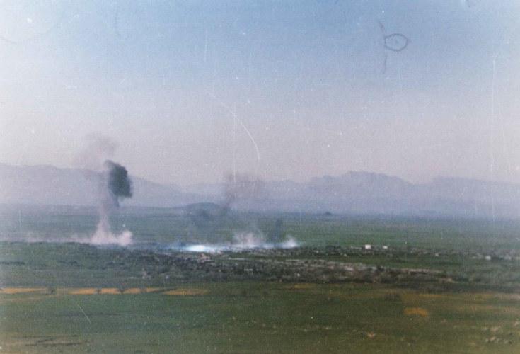 Świadkowie widzieli chmury białego, czarnego i żółtego dymu, wśród których niknęły miejskie budynki /Kurdistan Regional Government Ministry of Martyrs & Anfal /INTERIA.PL/materiały prasowe