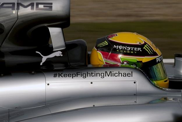 Świat F1 wspiera Schumachera /AFP