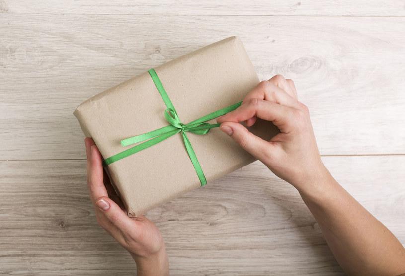 Świąteczne prezenty to duże wyzwanie! /123RF/PICSEL