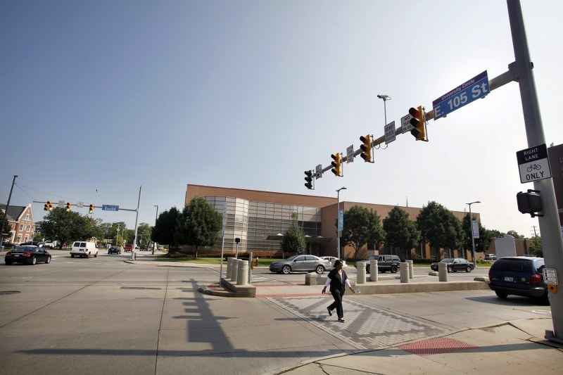 Światła na skrzyżowaniu Euclid Avenue i East 105th street w Cleveland, Ohio /EPA/DAVID MAXWELL /PAP/EPA