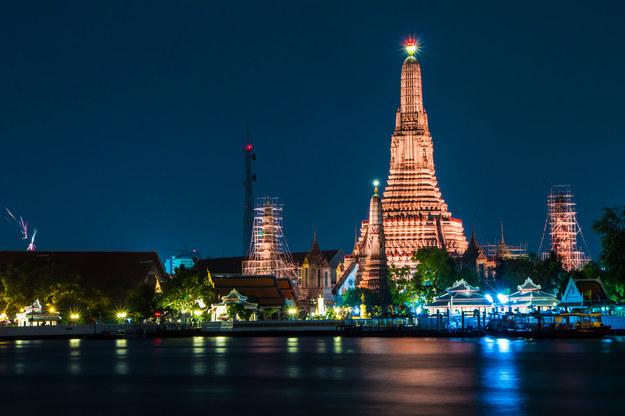 Świątynia Wat Arun w Bangkoku /123/RF PICSEL