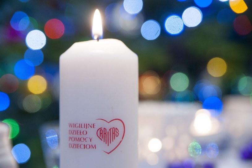 Świeca Wigilijnego Dzieła Pomocy Dzieciom z 2015 roku /Wojciech Stróżyk /Reporter