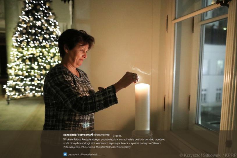 Świecę, w imieniu prezydenta, zapaliła szefowa jego kancelarii Halina Szymańska /Twitter