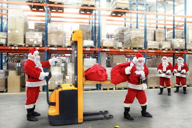 Święta nie mogłyby się obyć bez Świętego Mikołaja /123RF/PICSEL