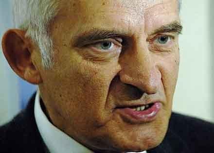 Święta spędzę w Warszawie u córki - mówi Jerzy Buzek/fot. Wojciech Trzcionka /Gazeta Codzienna