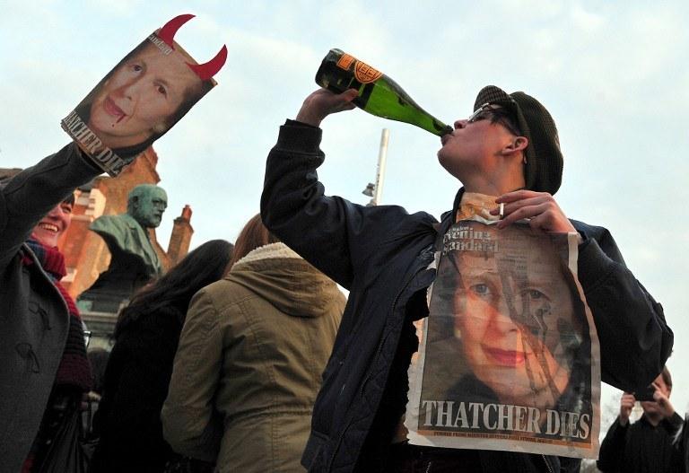 """""""Świętowanie"""" po śmierci Margaret Thatcher /AFP"""