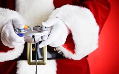 Święty Mikołaj lubi sobie czasem zagrać na konsoli /CDA