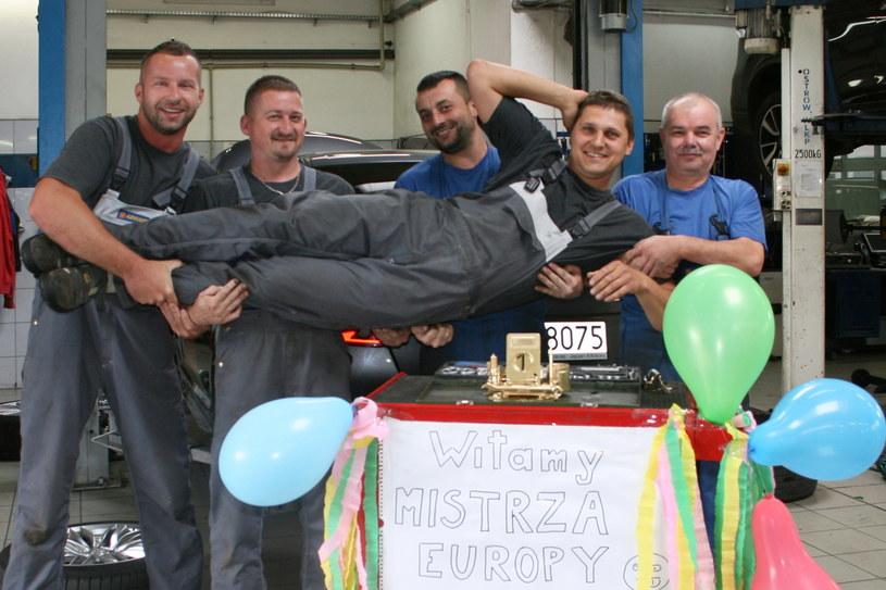 Sylwester Ochman z kolegami z Japan Motors Bielsko-Biała /