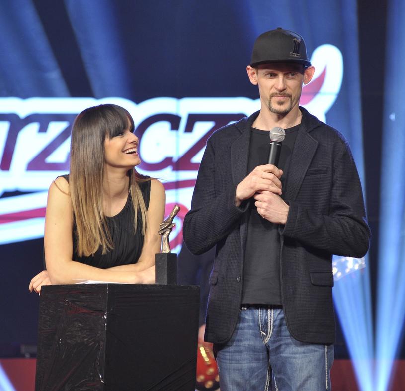 Sylwia Chmiel i Michał Wójcik z kabaretu Ani Mru Mru /Łukasz Kalinowski /East News