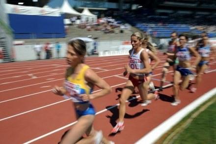 Sylwia Ejdys (biegnie na drugim miejscu) /AFP