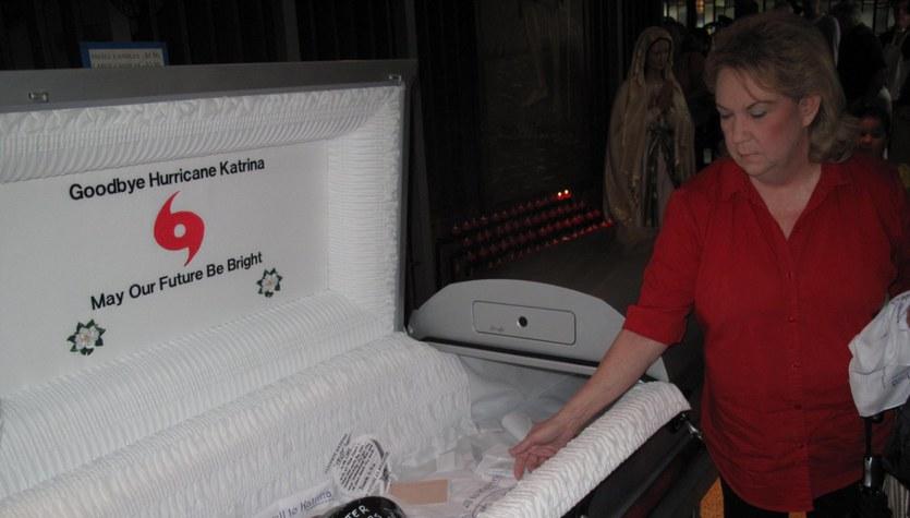 Symboliczny pogrzeb huraganu Katrina