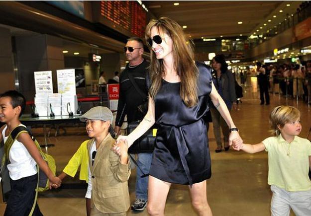Syn Angeliny ma na imię Mesjasz /AFP