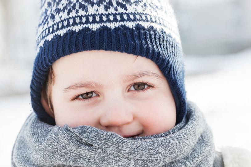 Syn kręci nosem na zimę w mieście /©123RF/PICSEL