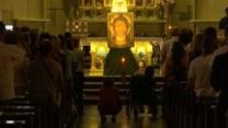 Syryjscy uchodźcy wśród pielgrzymów. Modlą się o pokój