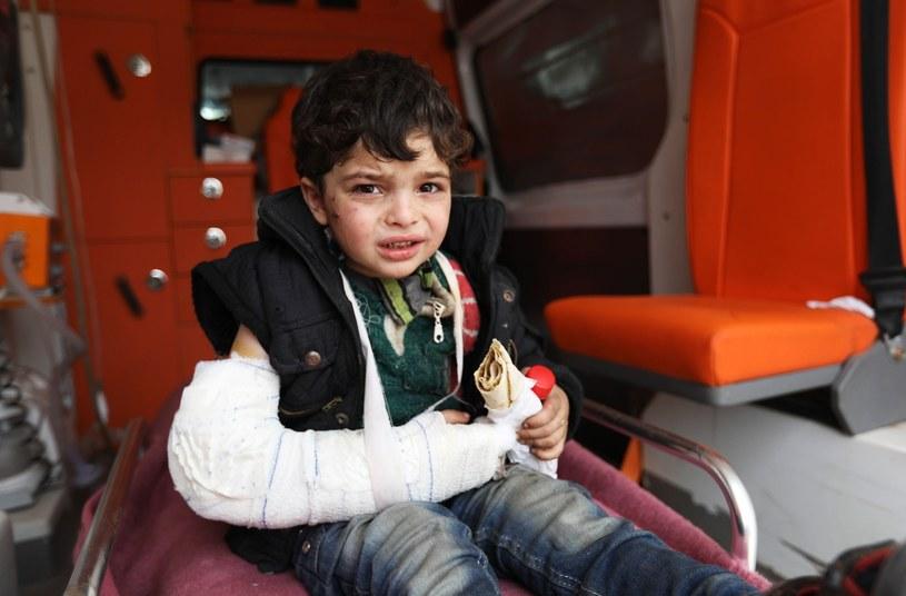 Syryjski chłopiec ewakuowany ze Wschodniej Ghuty /Omar haj kadour/AFP /East News