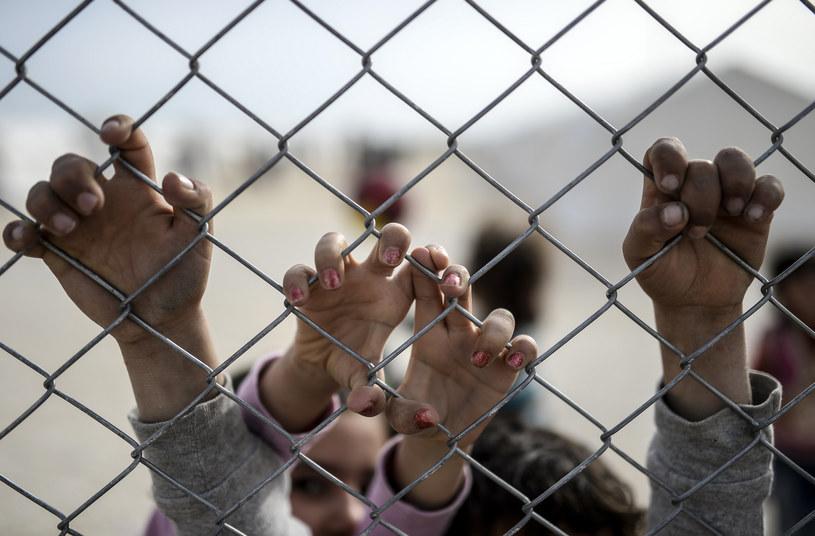 Syryjskie dzieci w obozie dla uchodźców w tureckiej miejscowości Suruc /BULENT KILIC /AFP
