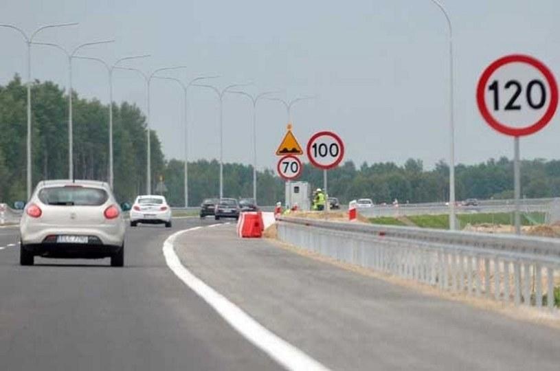 System rozpozna ograniczenia i nie pozwoli na szybszą jazdę /Lech Gawuc /Reporter
