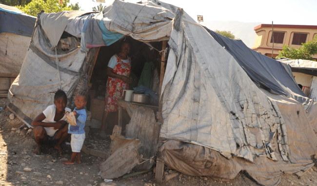 Sytuacja na Haiti wciąż jest dramatyczna /PAP/EPA/Jean Jacques Augustin /PAP/EPA
