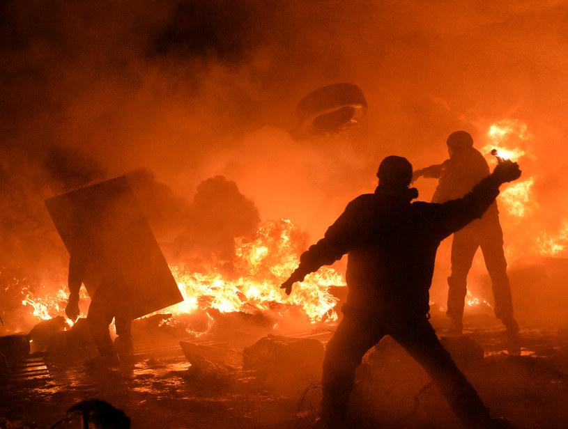Sytuacja na Ukrainie nadal jest trudna, możliwych jest wiele scenariuszy /AFP