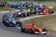 Sytuacja w GP Europy tuż po starcie. Na czele M. Schumacher