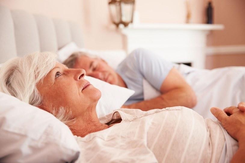 Szacuje się, że przejściowe problemy ze snem ma nawet 40% dorosłych Polaków /123RF/PICSEL