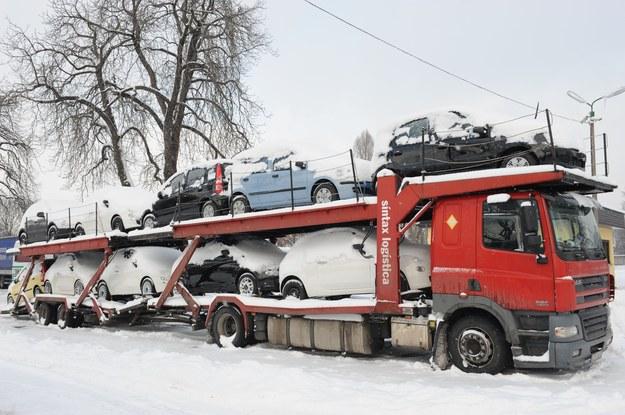 Szajka masowo odmładzała samochody /Wojtek Laski /East News